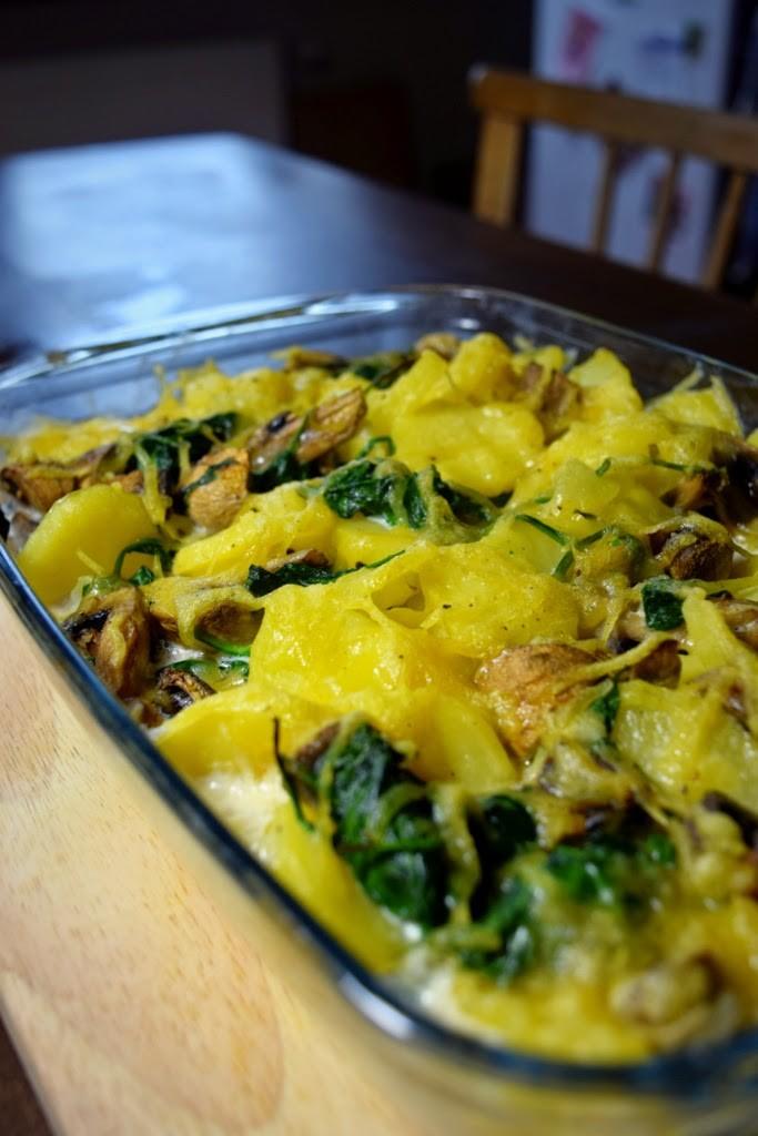Veganer Kartoffelauflauf mit Spinat