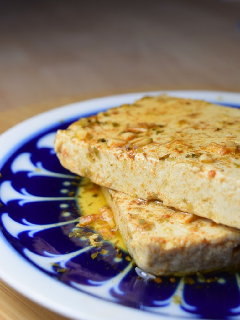 Veganer marinierter Tofu zum Grillen (Grilltofu)