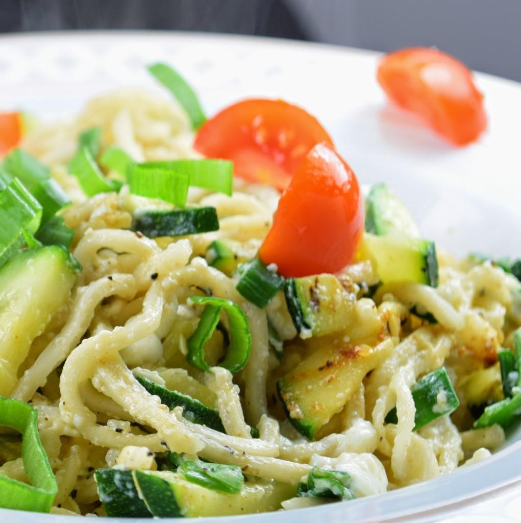 Resteessen: Gebratene Nudeln - vegan, schnell, einfach & günstig