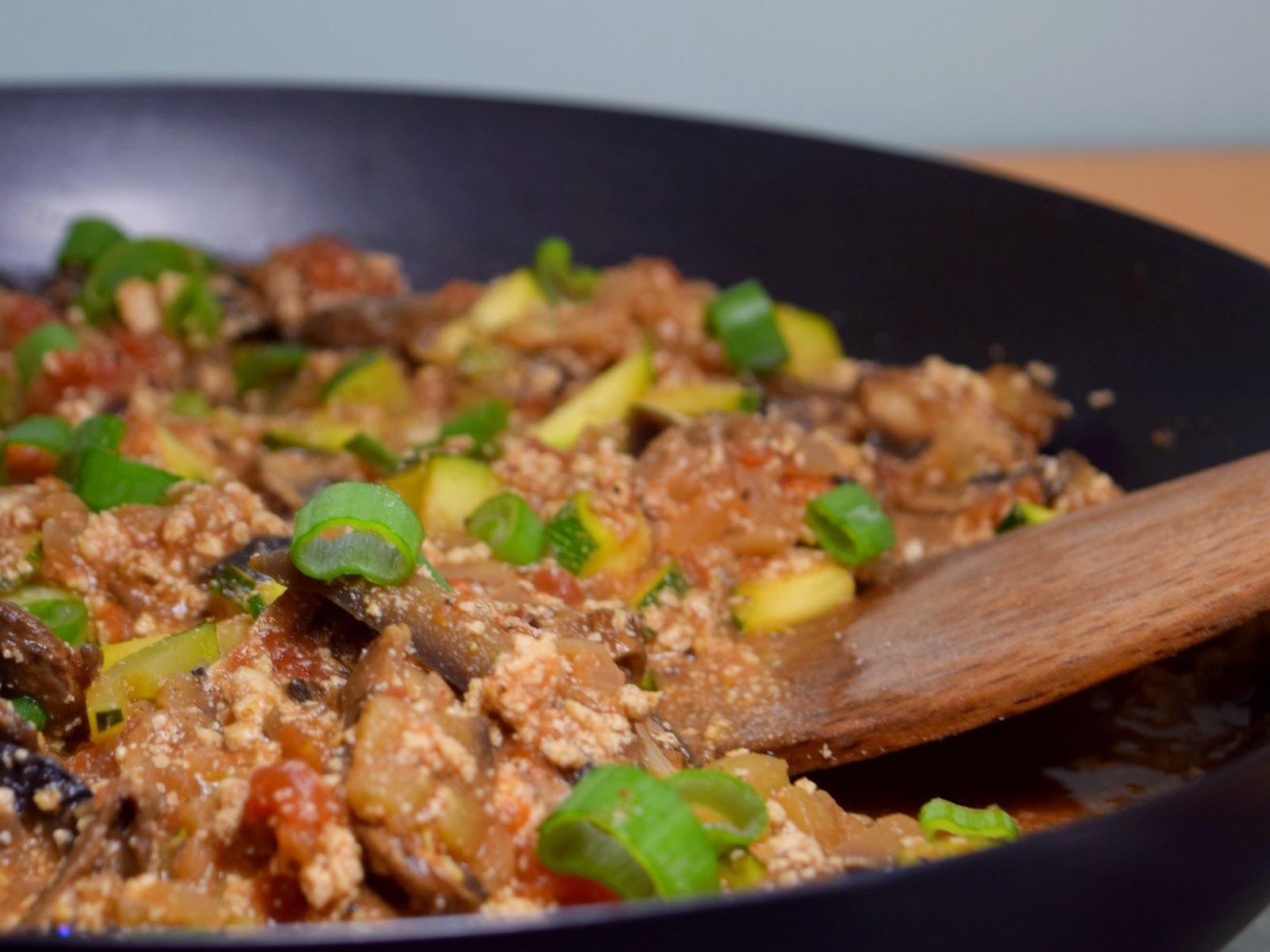 Tofuhack-Gemüse-Pfanne (vegan)