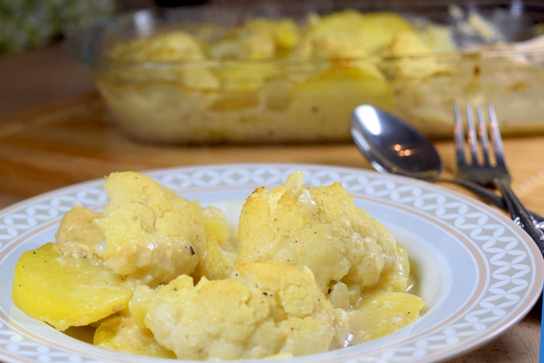 Veganer Kartoffel-Blumenkohl-Auflauf