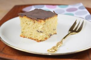 Veganer Haselnusskuchen mit Schokoladenglasur