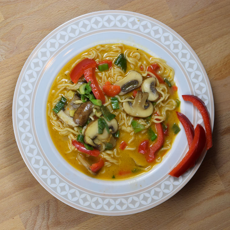 Thaicurry-Kokos-Pilz-Suppe (scharf)