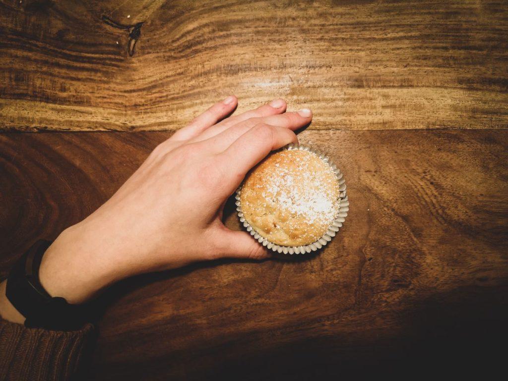 Vegane fluffige Apfelmuffins mit Mandeln